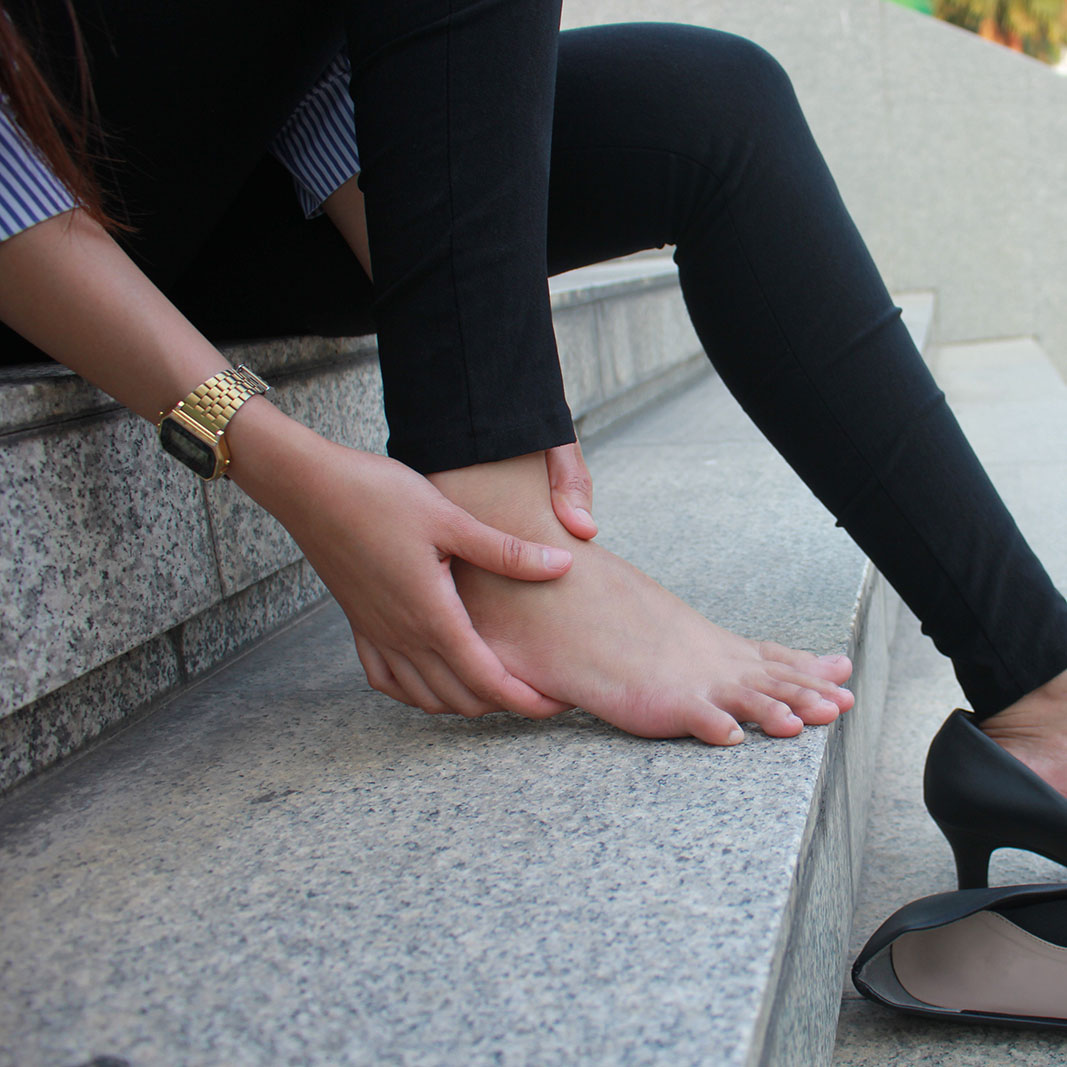 The heel pain can also be caused by Achilles tendonitis, bursitis, tarsal tunnel syndrome, or the collapse of the ankle onto the heel because your foot is out of alignment